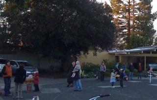 Holly Oak in Palo Alto is a 'horseshoe street' with little kids outside very often.